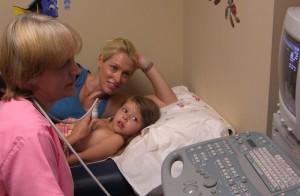 Процедура УЗИ сердца ребенка