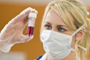Биохимический анализ крови позволяет оценить работу внутренних органов