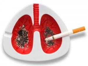 Курение - одна из главных причины возникновения рака легких
