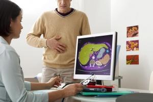 Боли в животе, тошнота, рвота и изжога - признаки заболеваний желудка