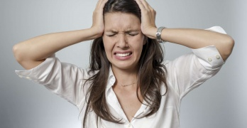 Головная боль, головокружение и тошнота - признаки повышенного давления