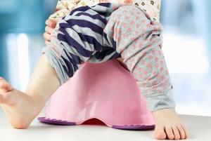 Наличие фосфатов в моче у ребенка может быть вызвано неправильным питанием либо признаком развития патологии
