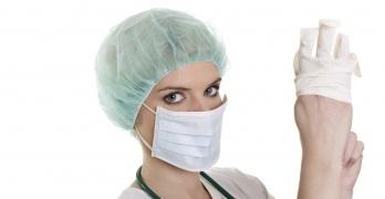 Проктолог – это врач, который занимается исследованием и лечением заболеваний прямой кишки
