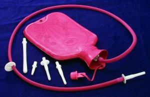 Кружка Эсмарха – устройство для очистки кишечника перед обследованием у проктолога