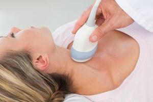 Процедура УЗИ щитовидной железы
