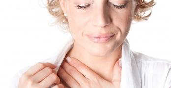 Щитовидная железа вырабатывает важные гормоны, дефицит или избыток которых оказывает влияние на все системы органов человека