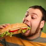 Чаще всего повышение холестерина связано с неправильным питанием и образом жизни