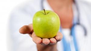 Для повышения уровня гемоглобина предпочтение в еде необходимо отдавать железосодержащим продуктам