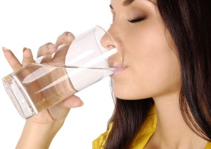 За 10-12 часов до сбора мокроты рекомендуется употреблять как можно больше жидкости
