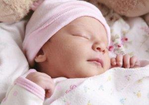 Увеличение печени у новорожденных могут вызвать как физиологические, так и патологические факторы