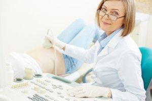 Когда и как делают УЗИ на ранних сроках беременности?
