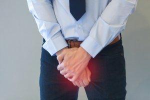 О чем свидетельствует розовая сперма у мужчин?