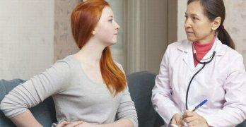 Горечь во рту и боль в правом подреберье могут указывать на серьезную патологию