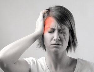 Сильная головная боль - главный признак спазма сосудов