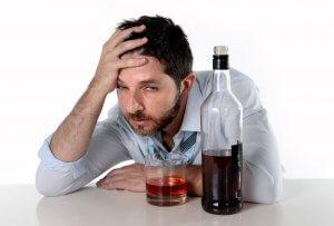 Тошнота – главный симптом алкогольного отравления