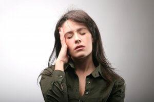 Головные боли, усталость, сухость и бледность кожи – признаки анемии