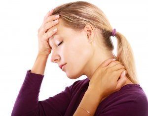 Развитие гипотиреоза могут спровоцировать как физиологические, так и патологические факторы