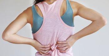 Почечная колика возникает при резком оттоке мочи из почки и сопровождается резкой болью