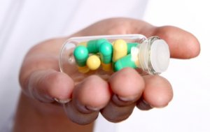 Инфекция лечится специальными антибактериальными препаратами