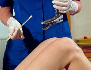 Процедура взятия мазка у женщин