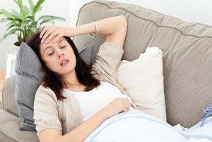 Снижение гемоглобина может быть вызвано как физиологическими, так и патологическими причинами