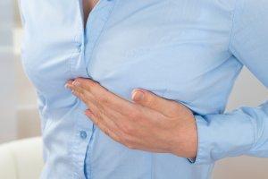 Гормональные изменения - основная причина фиброзно-кистозной мастопатии