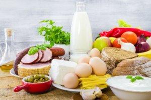 Нужно исключить продукты, которые вызывают газообразование и вздутие