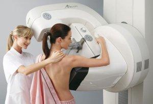 Диагностировать патологию можно с помощью маммографии