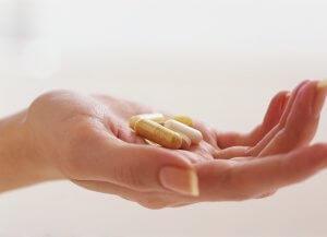 Лечение направлено на устранение причины, которая вызвала повышение гормона