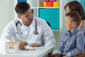 Лечение может быть как консервативным, так и оперативным