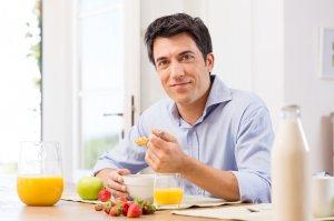 Нужно исключить из меню продукты, которые содержат глюкозу и крахмал