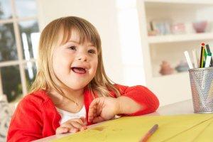 Примерно половина детей с этим синдромом страдают врожденным пороками сердца!