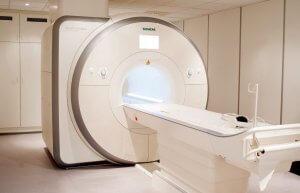 Существуют относительные и абсолютные противопоказания к МРТ