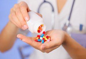 Терапия комплексная и состоит из лекарств и диеты