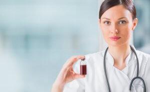 У мужчин и небеременных женщин уровень гормона вырабатывается в очень малых количествах