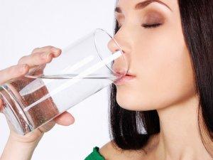 Перед сдачей мочи на анализ нельзя пить воду, которая содержит химические красители!