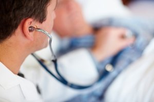 Лечение может быть медикаментозным или хирургическим
