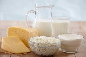 Молочные продукты, богаты кальцием, препятствуют усвоению железа