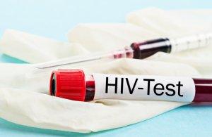 Анализ крови на ВИЧ помогает выявить вирус
