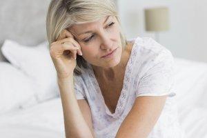 Наличие каких-то выделений в период менопаузы говорит о наличии патологии