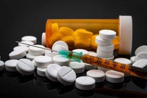 Медикаментозное лечение направлено на устранение причины лейкопении