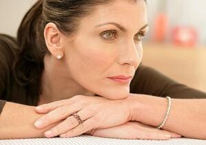 Причины изменений яичников у женщины