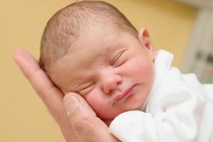 Киста в голове у новорожденного: разновидности, лечение и методы удаления образования