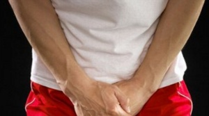 Выделения, боль, зуд и жженые при мочеиспускании – признаки бактериального уретрита у мужчин