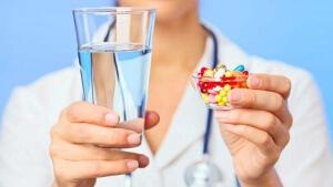 Только врач может назначить эффективное и правильное лечение патологии
