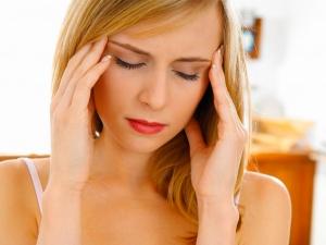 Усталость, апатия, раздражительность, тошнота и головные боли – признаки гипогликемии
