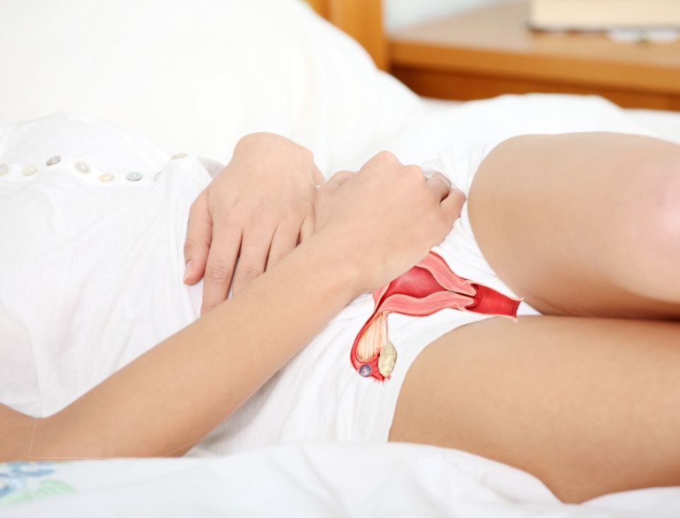 Почему кровоточит шейка матки? Причины и лечение