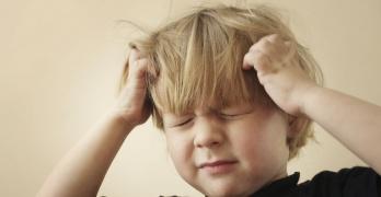 Эхо-ЭГ – ультразвуковой метод диагностики, который позволяет вывить наличие патологий в головном мозге у ребенка