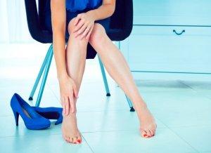 Признаки заболевания вен нижних конечностей и методы их лечения