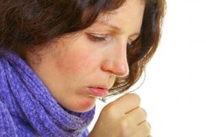 Благодаря анализу мокроты можно выявить возбудителя, поставить диагноз и начать правильное лечение